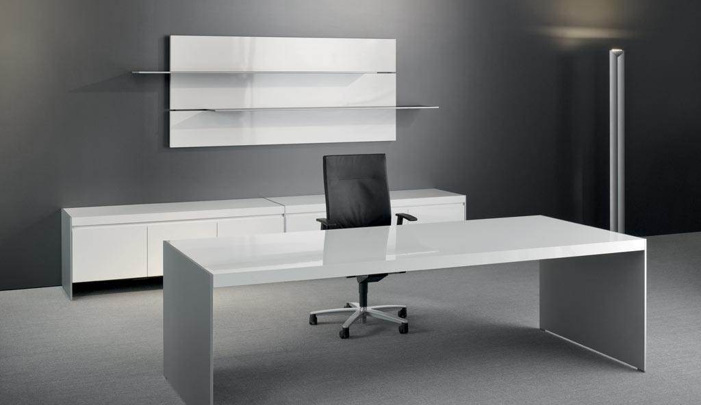 schreibtisch mit dem passendem b rostuhl und vieles mehr. Black Bedroom Furniture Sets. Home Design Ideas