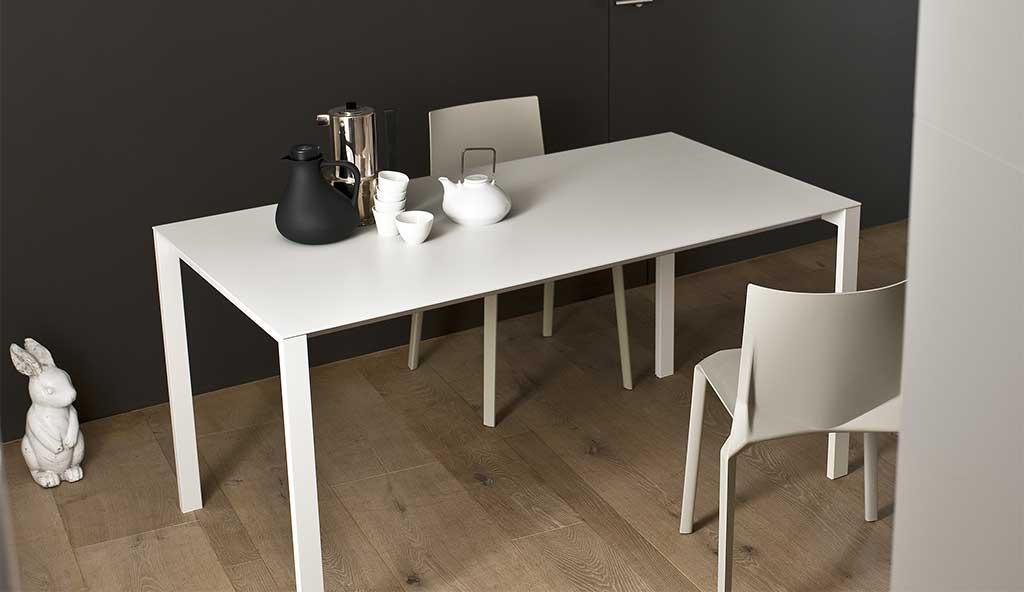 Esstisch stuhl oder eckbank alles f r ihr esszimmer zum for Wohndesign reutlingen